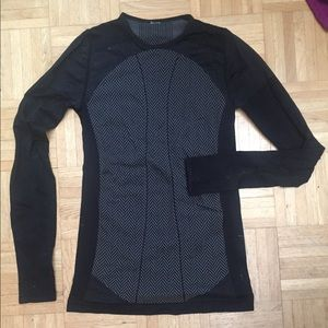 Fabletics stretchy long sleeve workout top